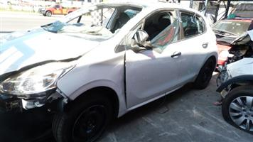 Stripping Peugeot 208