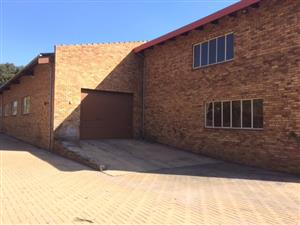 Very Neat Facebrick Factory / Warehouse to let in Bredell