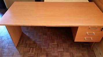 Cherry desk with drawers (3 units in stock)