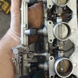 Suzuki 2001 gsxr 600 throttle body complete