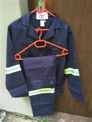 NAVY FLAME RETARDANT Conti suits for sale