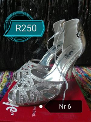 Size 6 Heals for sale