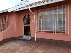 House to let in Lenasia South Immediately