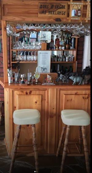 Bar with accesories