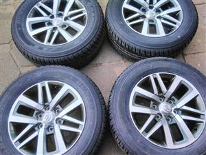 "18"" Toyota Fortuner mags and Dunlop tyres"