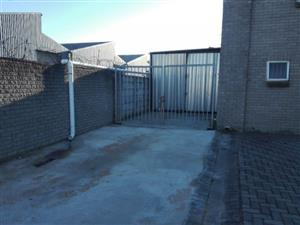 Storage area to let : covered + parking