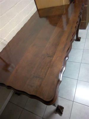 Dining Room Table with Glass Top and with 6 Chairs