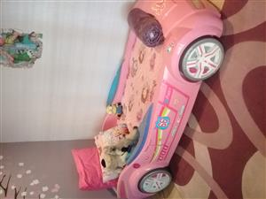 2X Girls sporty beds with sealy mattressR10000 Cel:0786758814