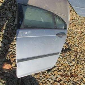 BMW E46 LEFT REAR DOOR SHELL – USED