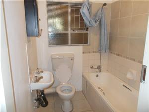 Nice bachelors flat in Garsfontein