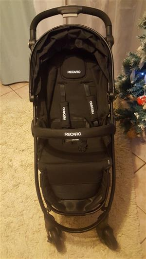 Full Recaro pram set with car seat and isofix