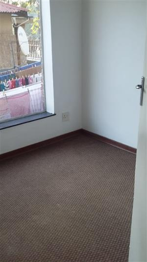 Spacious 2 Bed flat to rent in Booysens / West Turffontein