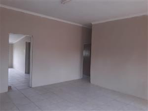 2 bedroom flat Excelsior 100km from Bloemfontein.