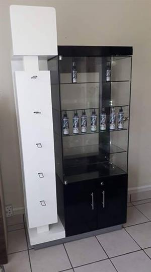 Stunning shop display unit with tempered glass shelves and door