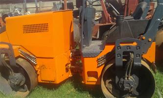 RIDE ON ROLLER - 2.5 TON - COMPACTION/ COMPACTOR