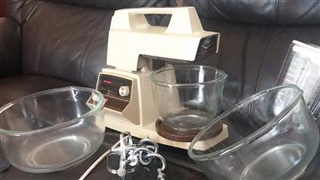 Oster cake mixer, liquidizer and mincer attachments