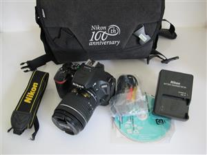 Nikon D5500 SLR 18-55 AF/P Lens Bag Card MINT CONDITION