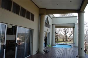 3 BEDROOM • 2 BATHROOM FAMILY HOME • MAGNIFICENT VIEWS • ENTERTAINER'S DREAM