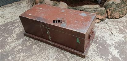 Antique Tools Trunk (810x380x300)