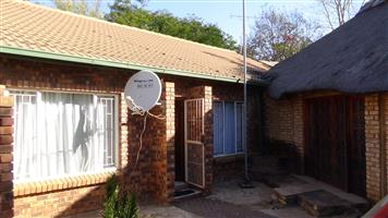 3 Bedroom House (Duet) in Doornpoort – R900 000