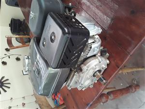 6.5 hp 2 to 1 reduction petrol engine for sale.