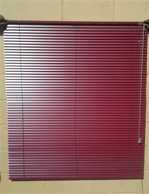 16 mm Venetian Blinds col. Burgundy