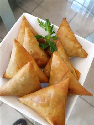 Unfried Samoosa's (Halaal