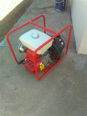 2 X Honda water/kunsmis pompe en Honda Generator