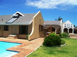 Dream Home with a lot of Potential. The Home near the Sea in Uvongo.