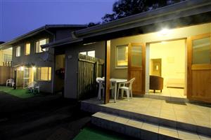 Large Groups, Holidaymakers, Contractors, Business Persons. Budget, Clean Self Catering Accommodation in Durban North