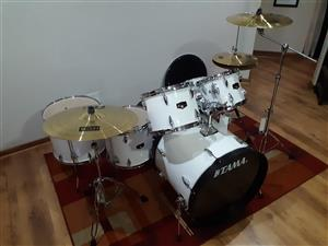 PRICE DROP! TAMA IMPERIALSTAR 6 PIECE DRUMSET NEVER PLAYED.TAGS STILL ON DRUMS.