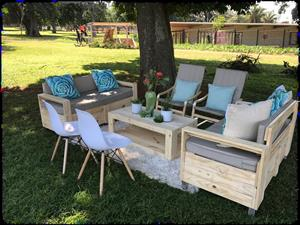 PALLET LOUNGE AND TABLE FURNITURE FOR HIRE