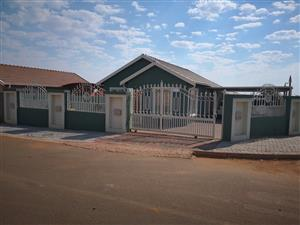 3 Bedroom house to rent for only R5000PM