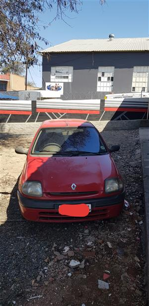 2003 Renault Clio 1.4 Expression 5 door