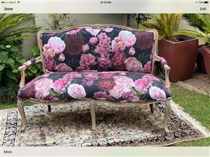 Antique S ettee wanted.. similar to this picture bonus if it has 2 Chairs