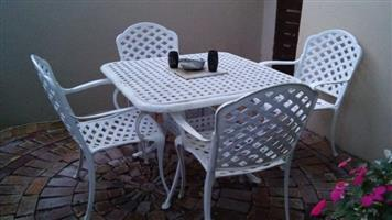 Cast aluminium garden set of table and 4 chairs