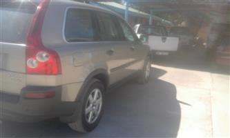 Volvo XC90 DC 2.5 diesel, 2004 model stripping for spares.