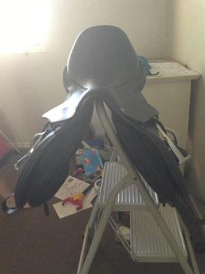 WINTEC 500, HORSE SADDLE FOR SALE. R5000