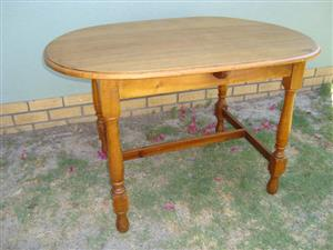 Beautiful Antique Solid Oak Wooden Table FOR SALE