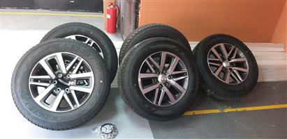 DUNLOP 265/60R18 18 INCH BRAND NEW TOYOTA HILUX BAKKIE 2019 MODEL TYRES AND RIMS WITH SPARE