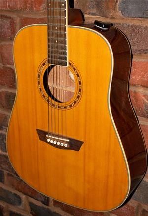 Washburn WD10 Acoustic Guitar in Excellent condition!