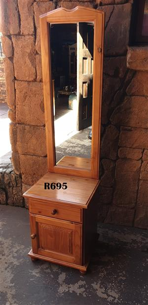Pine Chest With Mirror (480x435x1790)