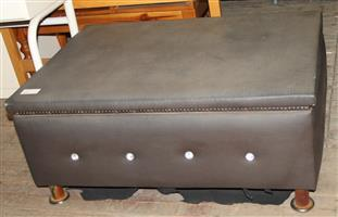 Brown coffee table S030032D #Rosettenvillepawnshop