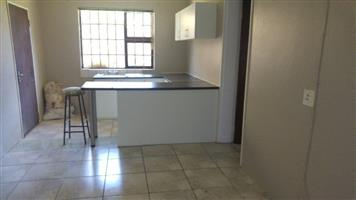 Lombardy East garden cottage to rent for R3500