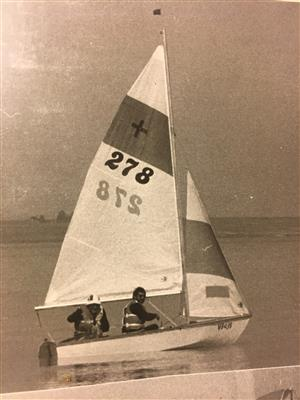 Plus sailing dinghy