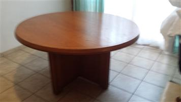 Dining table with oak-wood chairs