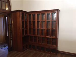 1x Dark wood Book shelf and cabinet 520x525x1710x320x2450