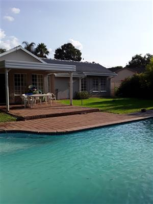 3 Bedroom House For Sale in Sinoville