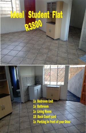 1X Bedroom unit ideal Student flat