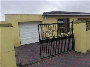 3 Spacious bedroom house to rent in Blue downs